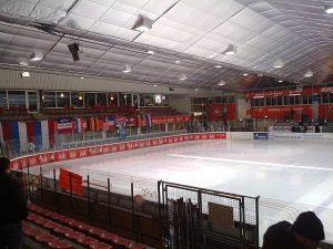 640px-EHC_Dortmund,_indoor